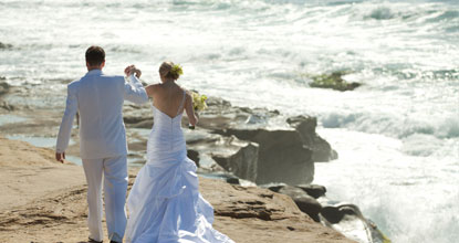 beachweddingcouple